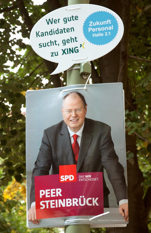 SPD Peter Steinbrück Wahlplakat - XING Guerrilla Aktion