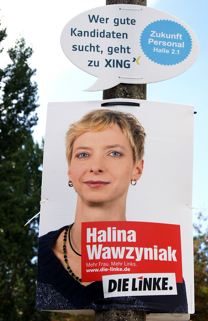 Die Linke Halina Wawzyniak Wahlplakat - XING Guerrilla Aktion
